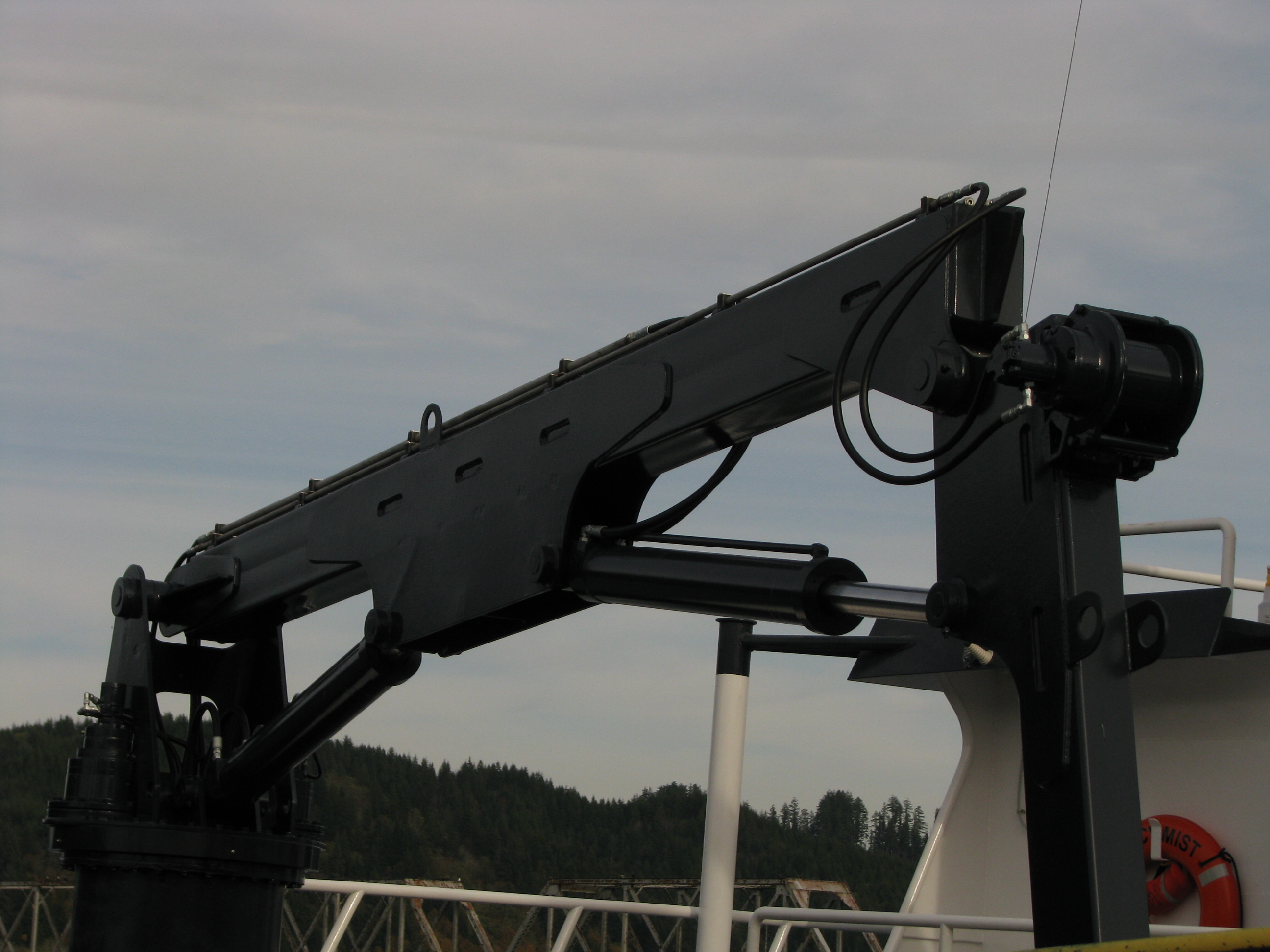 30-FOOT KNUCKLE CRANE | DECK CRANE