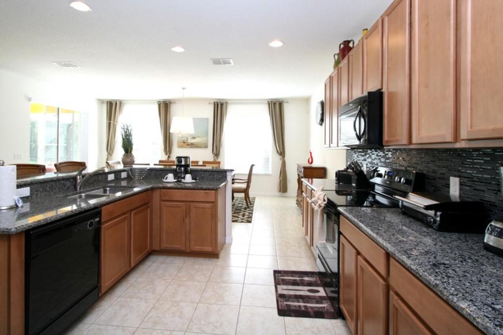 cfrm linda kitchen1_1200
