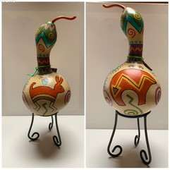 """Desert Friends Gourd 12 X 6"""" (stand included)"""