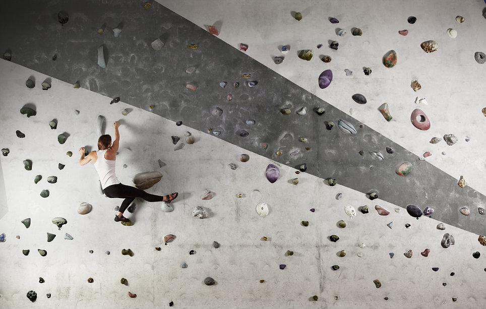 Frau Wall Climbing