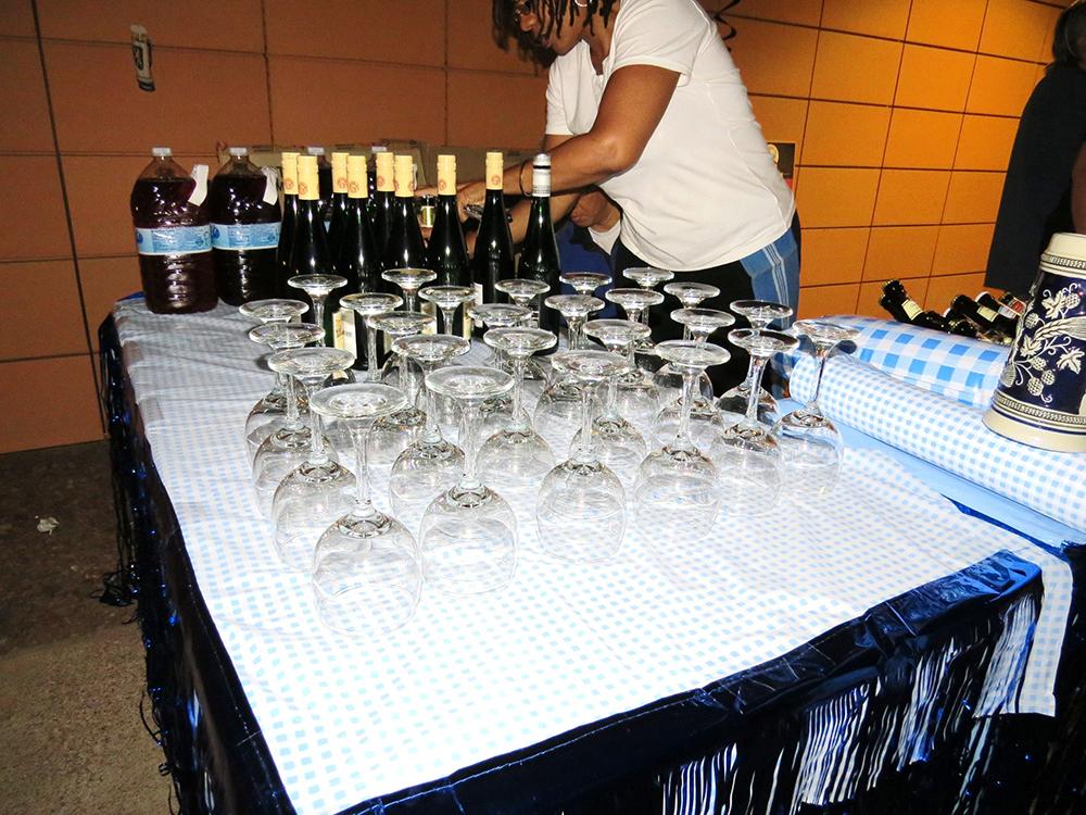 Wine Glasses Table