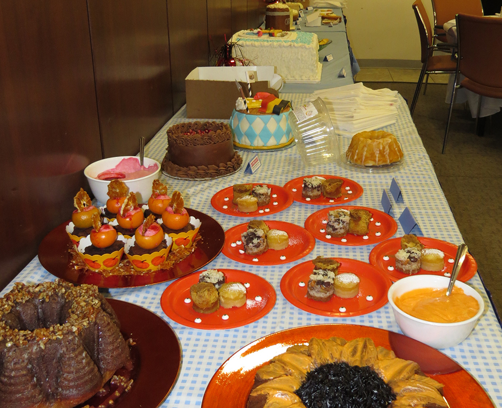 Cake Auction Table