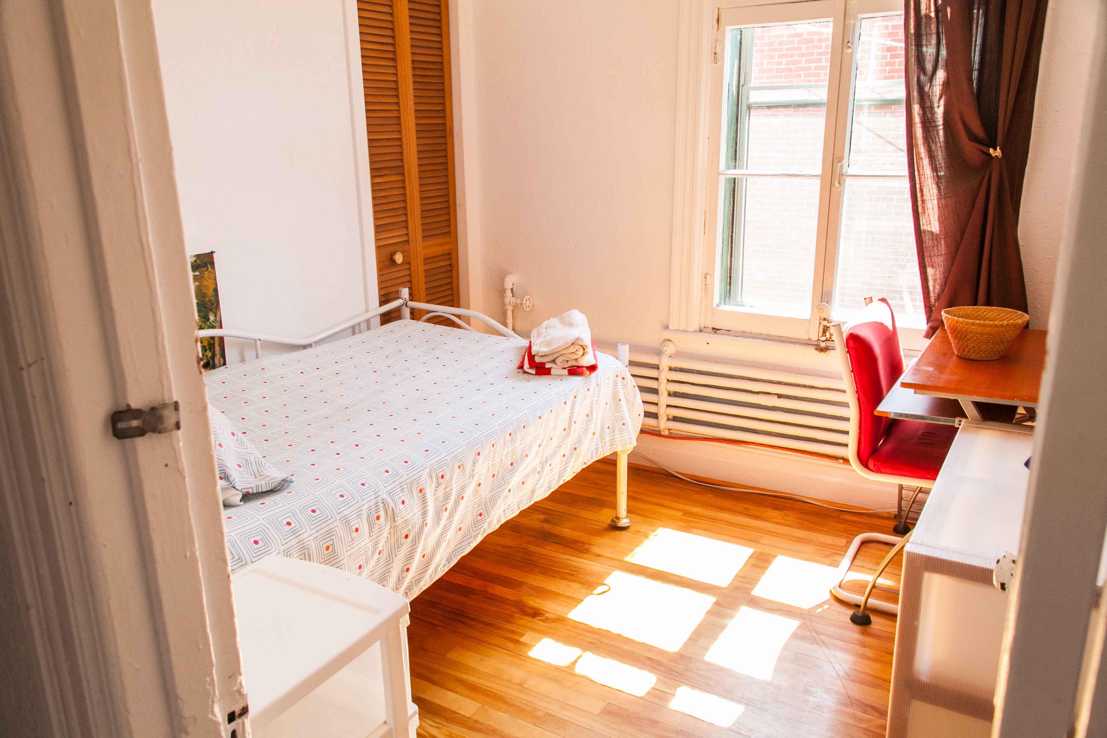 Chambre 6/Room 6