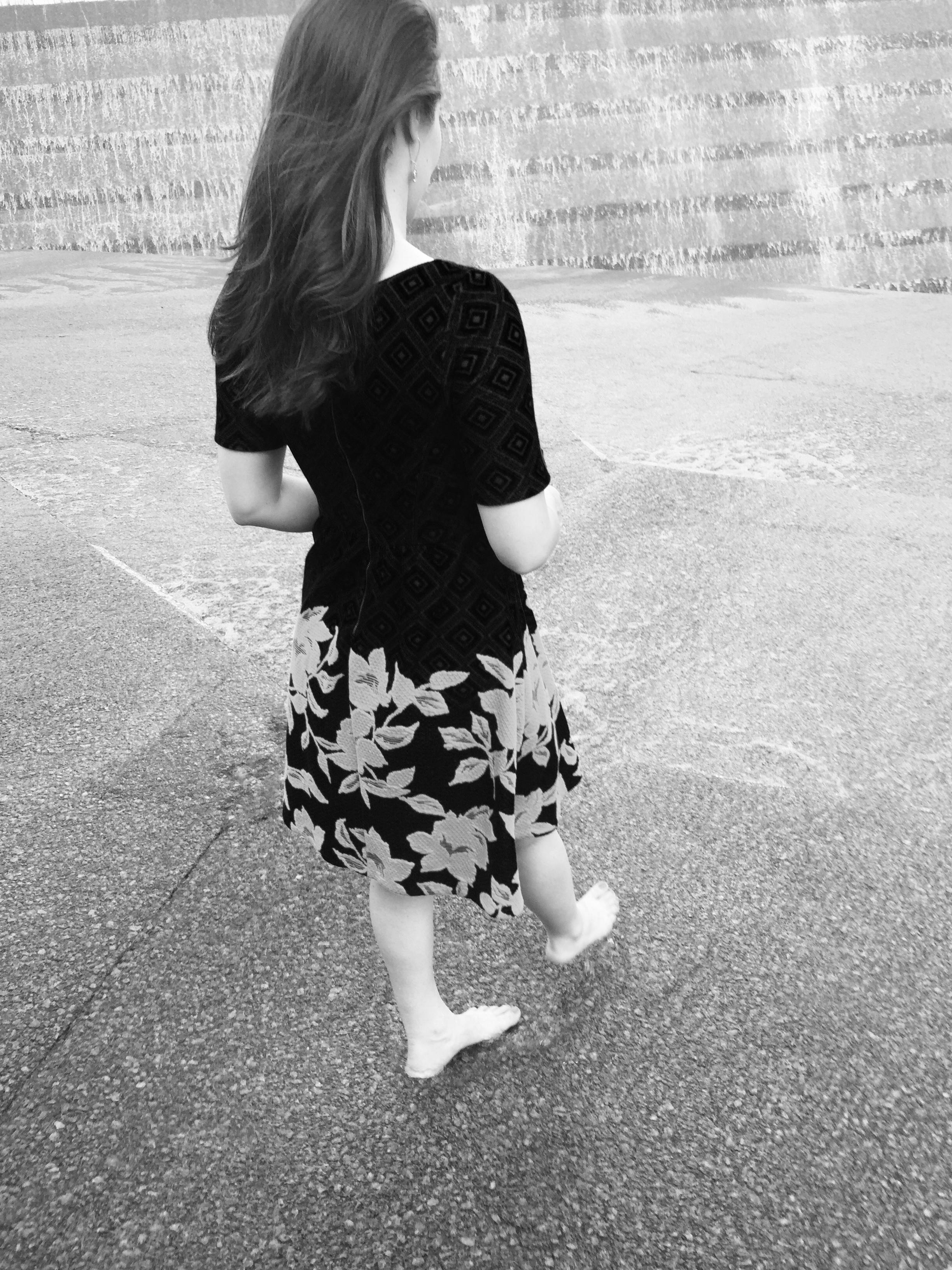 Black White Saunter