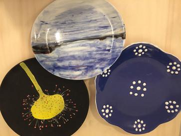 Plates with motives.JPG