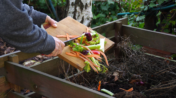 Learn How to ''Recycle'' Your Green Food Scraps and Yard Waste