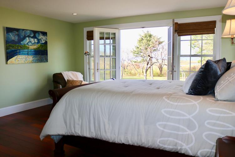 1st Floor Master Bed