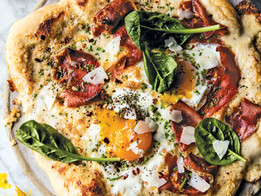 Croque Madame Breakfast Pizza