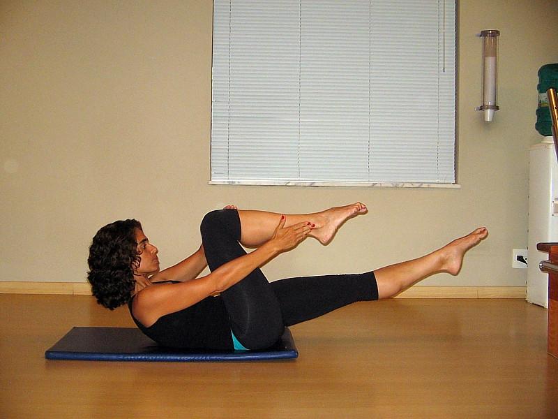 Foto 3: The Single Leg Stretch