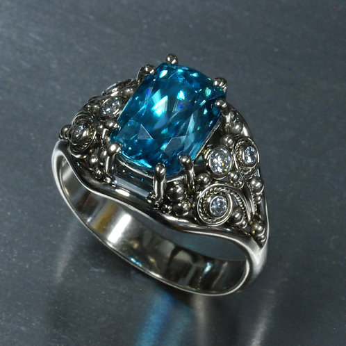 14k White Gold Diamond and Zircon Ring