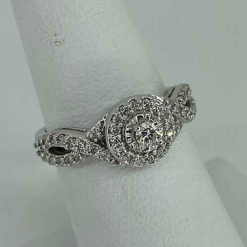 14k White Gold Halo Diamond Twist Band Ring
