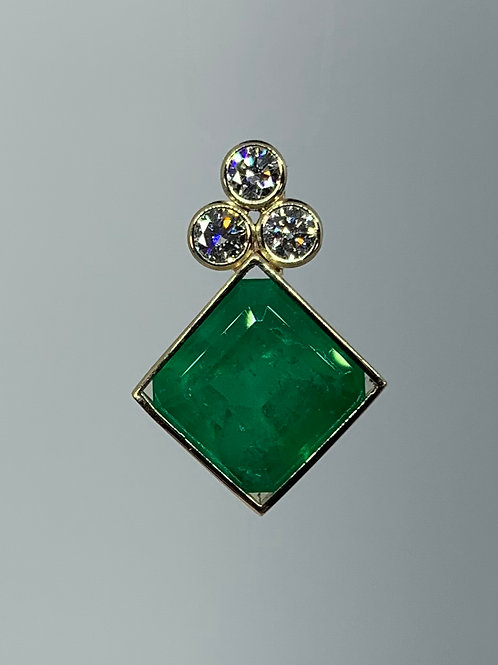 14k Gold Emerald and Diamond Pendant