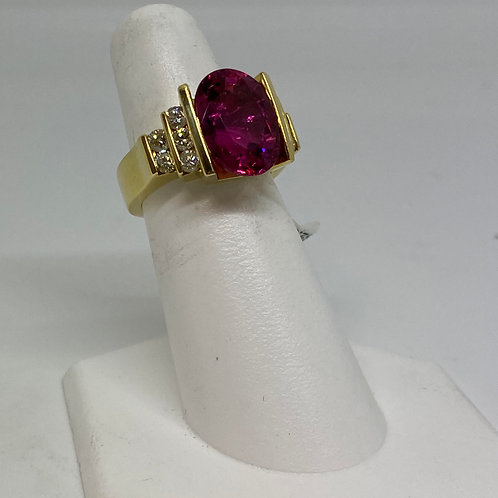 18k Yellow Gold Pink Tourmaline and Diamond Ring