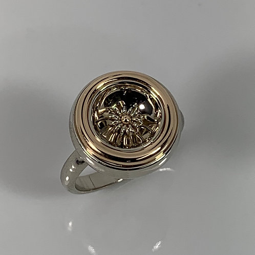 14k  Reflective Ring