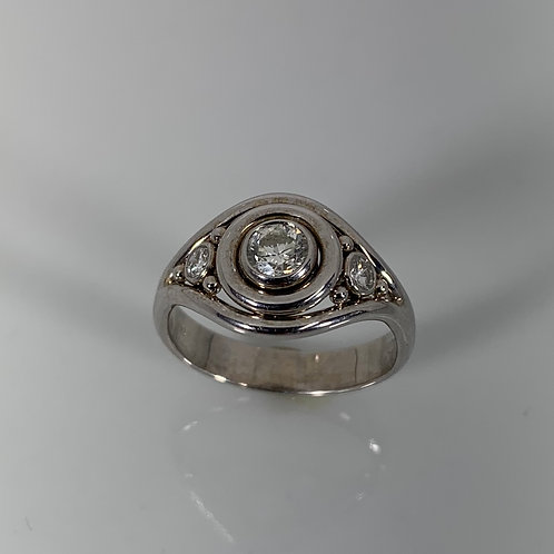 14K 3 Stone Diamond Ring