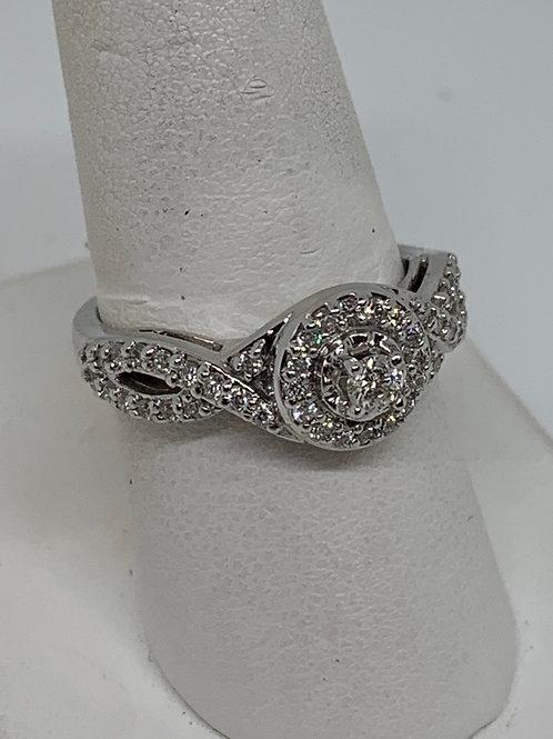 14k White Gold Halo Diamond Ring Twisted Band