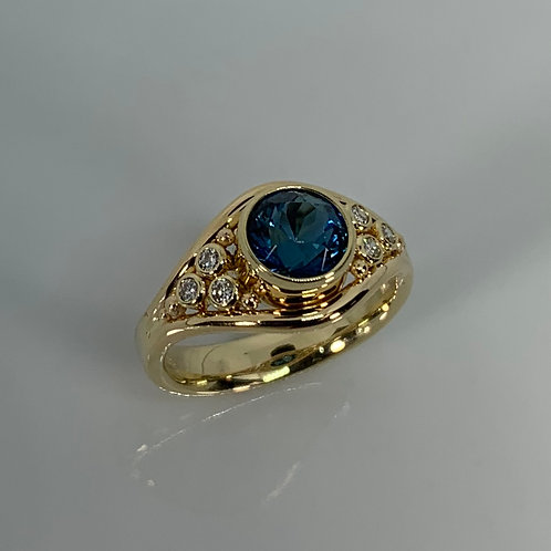 14k Yellow Gold Blue Topaz and Diamonds Ring