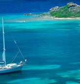 Vendono casa e partono in barca a vela: neanche il Covid li ferma