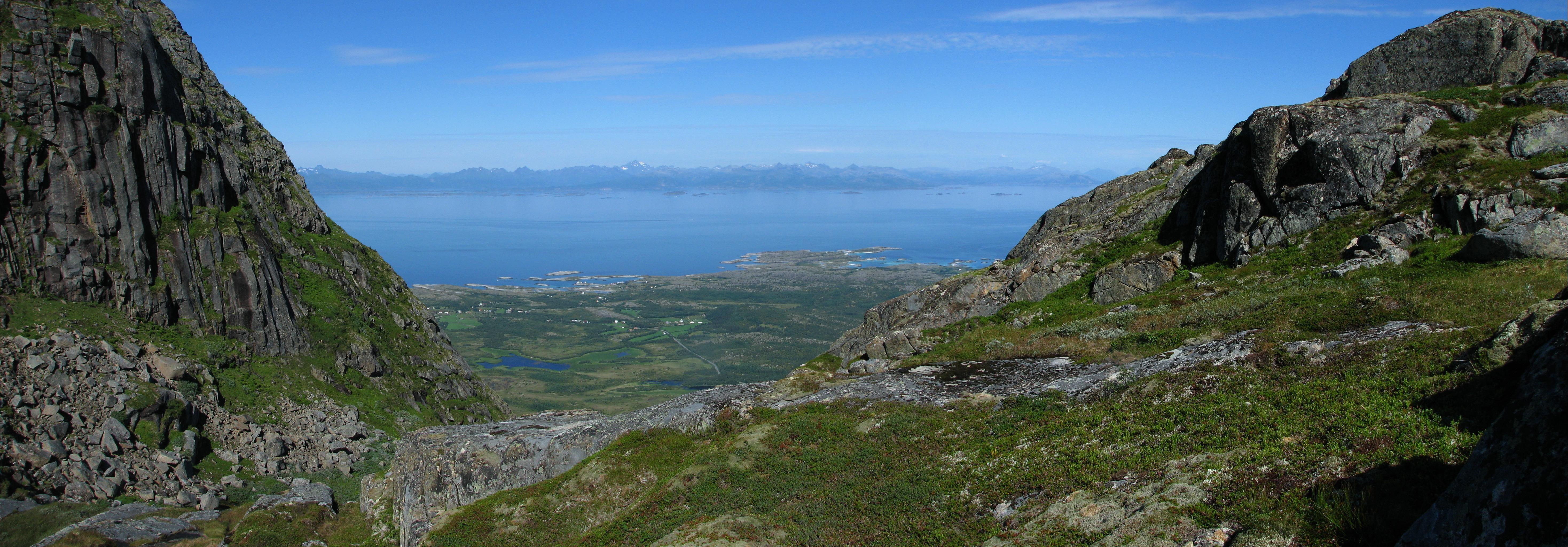 VestfjordenPanorama.JPG