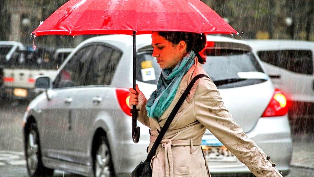 Image: Woman with Car [CC0 Public Domain] via pxhere