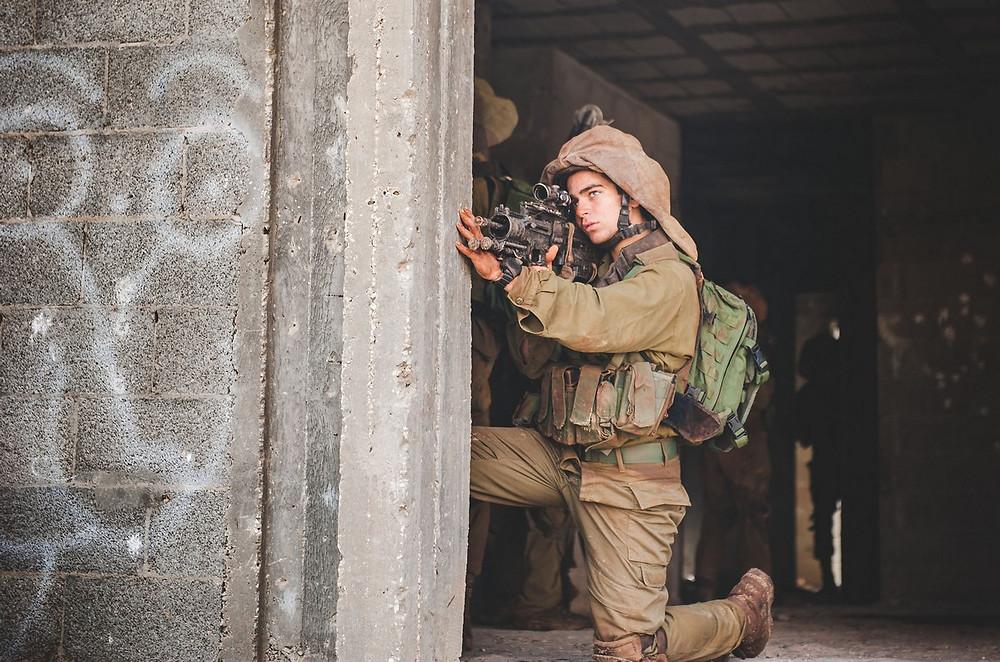 Illustration: Seventh Reconnaissance Company Drill by Daniel Chekalov, IDF Spokesperson Unit [CC BY-NC 2.0] via Flickr