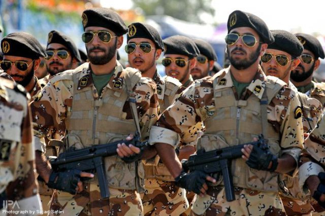 Iranian soldiers (Image credit: Commandernavy (Own work) [CC BY-SA 4.0 (https://creativecommons.org/licenses/by-sa/4.0)], via Wikimedia Commons)
