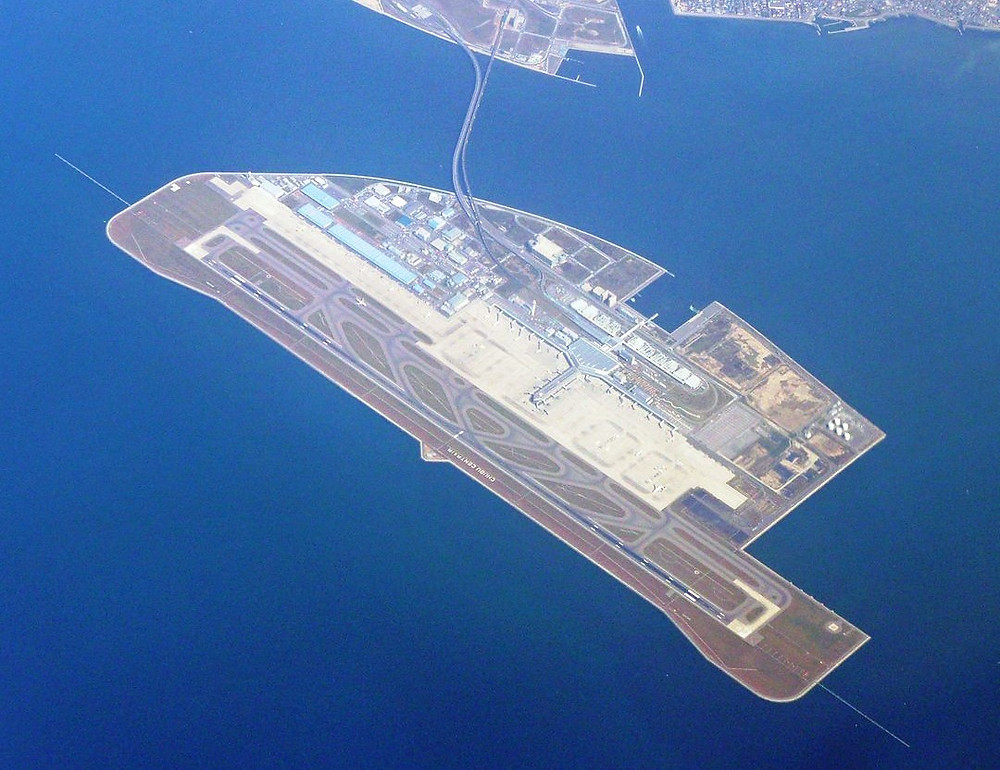 Illustration: Artificial Island [Chubu Airport by BehBeh via Japanese Wikipedia (CC BY-SA 3.0)]