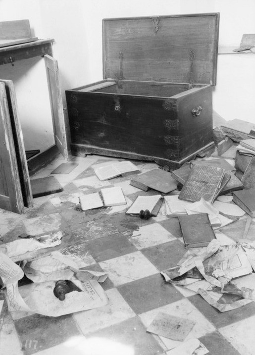 Blood-Stained Floor of Ransacked Jewish Home by American Colony (Jerusalem), Photo Dept., United States Library of Congress Prints and Photographs Division, Public Domain, via Wikimedia.