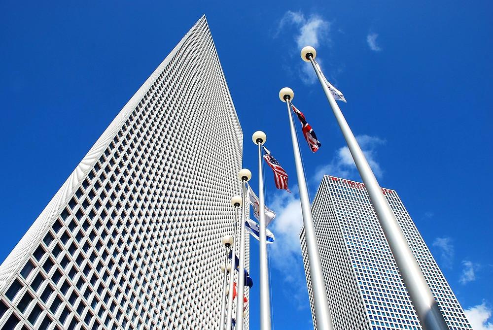 "Illustration: Azrieli Towers by ""StateofIsrael"" [CC BY-SA 2.0] via Flickr"