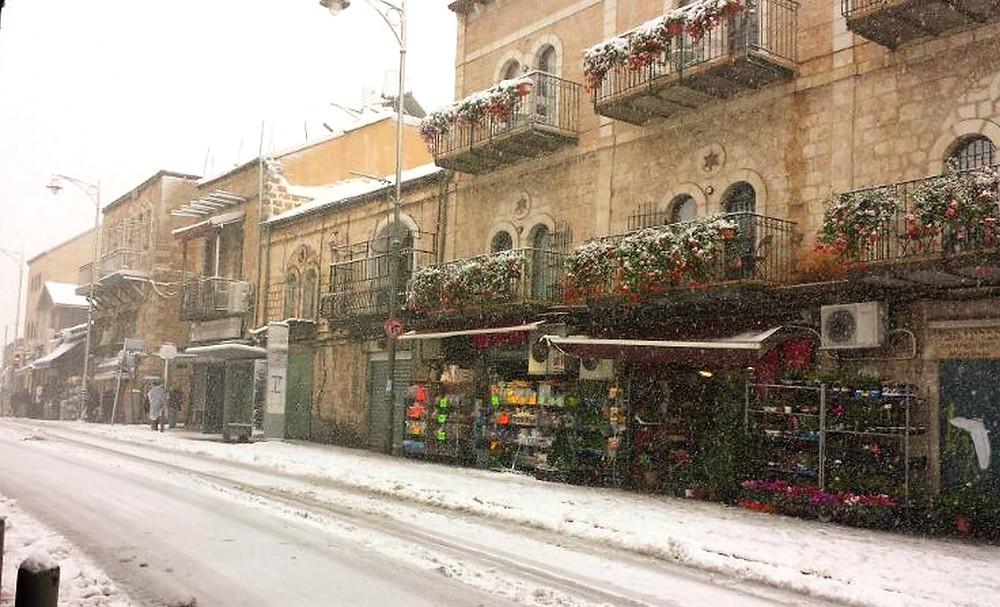 2013 Blizzard on Agripas Street by Hanay [CC BY-SA 3.0] via Wikimedia