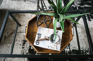 Revista en bandeja