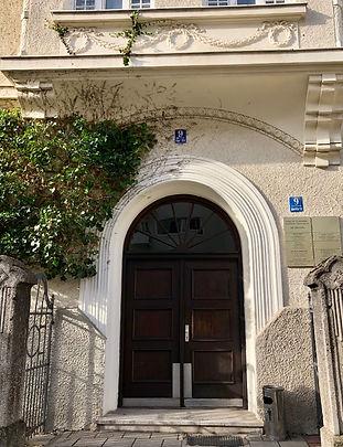 Alexandra Schäfer - praxis für Psychotherapie & Coaching, Jakob-Klar-Straße 9, München, Gebäudeeingang