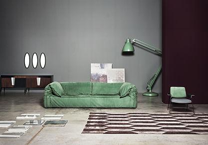 Savoy - Диван Savoy отличается простотой форм, которые его определяют. Идеально подходит для отдыха и полного забвения, он добавляет стиль и оригинальность месту, где он расположен.