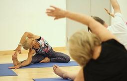 yoga-3772674__340.jpg