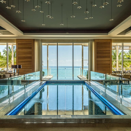 Boca Beach Club: Relaxation on the Water