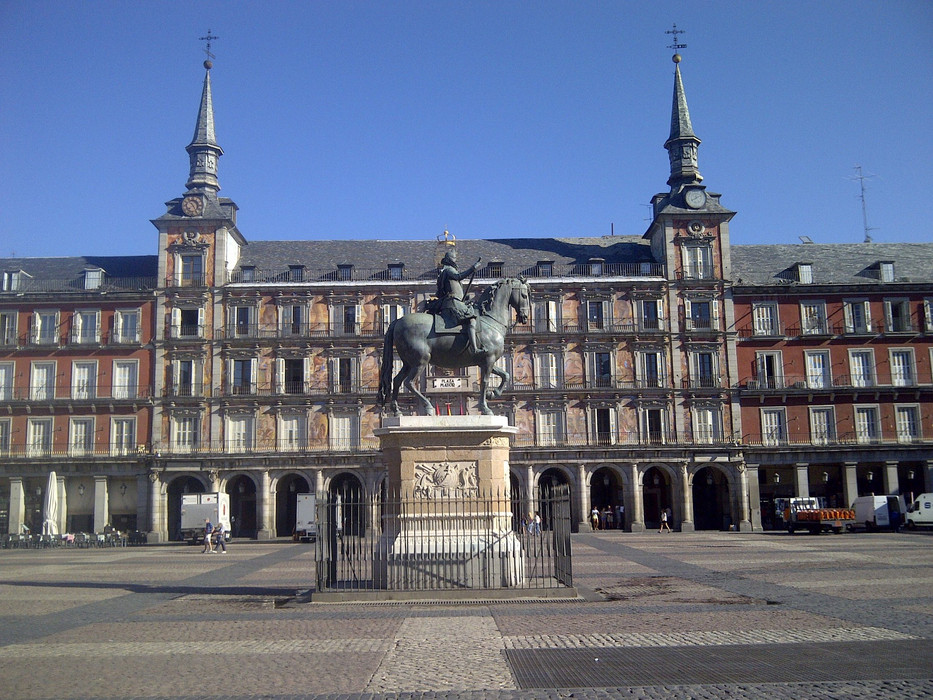 plaza mayor with philip iii on horse.jpg