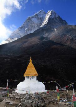 stupa and ama dablam.jpg
