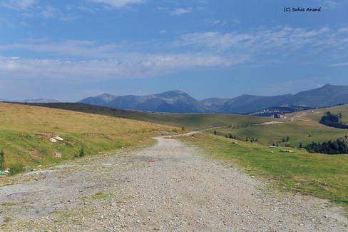 transalpina dirt road.jpg