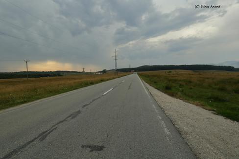 drive to novaci .jpg