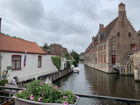 bruges canal 2.HEIC
