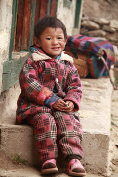 sherpa child namche.jpg