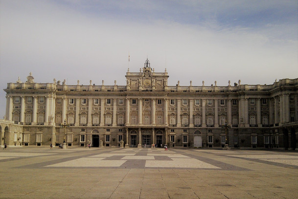 royal palace madrid 1.jpg