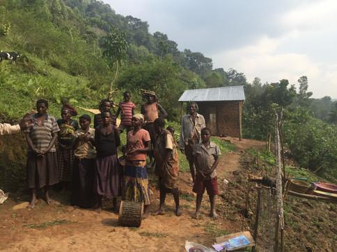 ugandan tribals.JPG