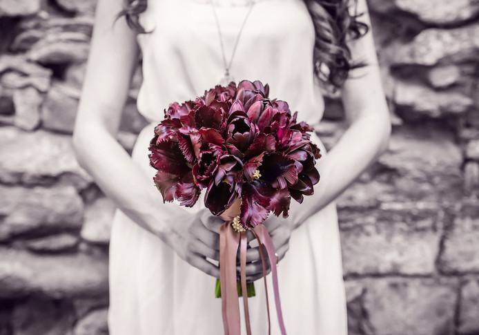 bridesmaid-2318613_1920.jpg