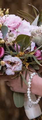 flower-3185225_1920.jpg