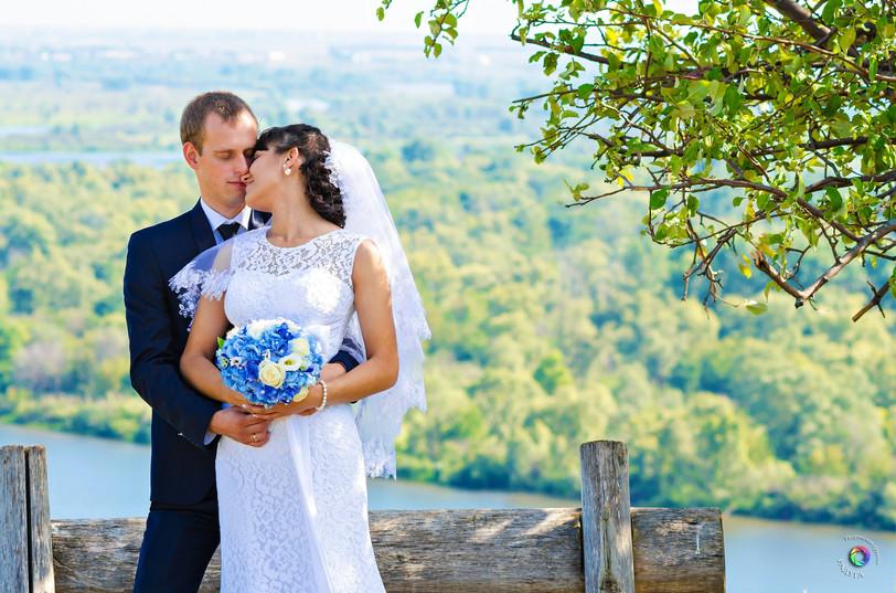 wedding-609105_1920.jpg