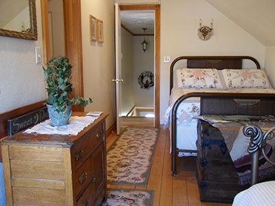 grapevine room2.jpg
