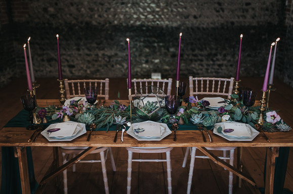 Modern Wedding Decor Barn.jpg