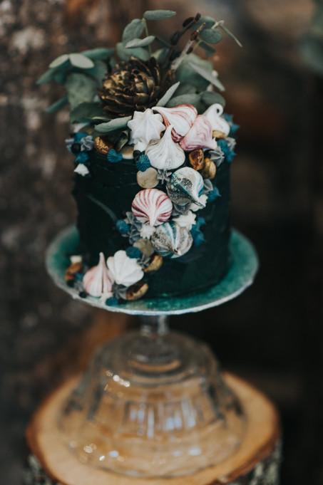 Creative Green Wedding Cake.jpg