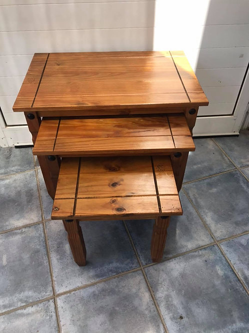 Mexican pine nest of 3 tables
